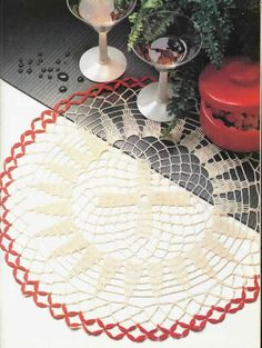 Decorative Crochet Magazines 8 - Gitte Andersen - Álbuns da web do Picasa...Wheel of fortune...free pattern and diagrams!!