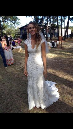 Country wedding dress - if the neckline wasn't plunging so much I'd really be in love with this dress