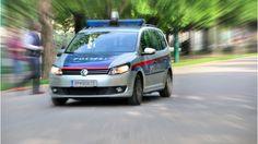 Die Polizei in Wien hat neun Männer festgenommen, die zu Silvester eine Frau aus…