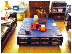 Pallet table, great idea for kids room and organizing toys and crafts.