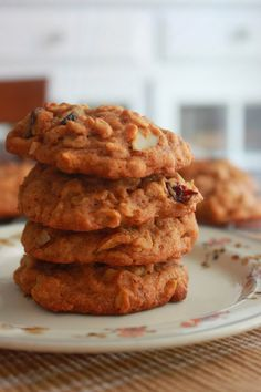 Chewy Pumpkin Oatmeal Cookies, I'm giving these a try when the family comes over in a bit for game night.