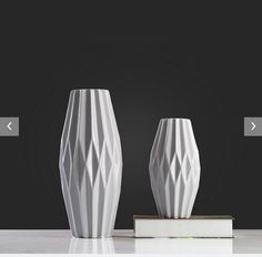 simple ceramic vase with 3-D effect
