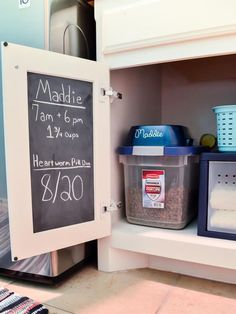 dog organization ideas storage pet supplies Use chalkboard vinyl or paint to create a message board on the back of a cabinet door. Its a great place to leave notes for pet or house sitters! Get more pet supply organizing storage tips. Animal Room, Dog Food Storage, Storage Hacks, Storage Ideas, Storage Solutions, Small Storage, Food Dog, Dog Organization, Organizing