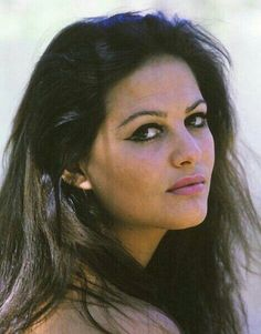 Claudia Cardinale/Клаудия Кардинале | VK Claudia Cardinale, Italian Women, Italian Beauty, Photoshoot Themes, Italian Actress, Sophia Loren, Brigitte Bardot, Interesting Faces, Photography Women