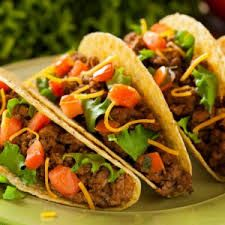 Hungry Girl's Crunchy Beef Tacos With Side Salad: Looking to satisfy your crunchy craving? Hungry Girl Diet, Hungry Girl Recipes, Batch Cooking, Cooking Recipes, Healthy Recipes, Protein Recipes, Tacos Mexicanos, Eating Tacos, Ground Beef Tacos