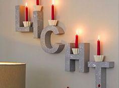 Buchstaben an der Wand oder im Regal sind Trend. Wir verraten Ihnen in unserer Anleitung, wie Sie aus einfachen Buchstaben, etwas Farbe und ein paar Kerzen eine stimmungsvolle Wanddekoration machen können.