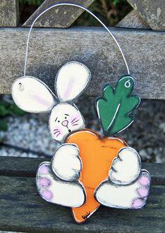 Little white rabbit with his carrot - hanger door decoration or home mobile de la boutique LULdesign sur Etsy