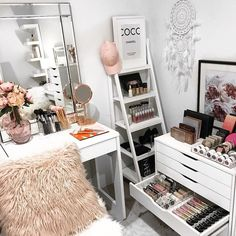 Who else is forever mixing up their beauty space? I love mixing furniture, decor and makeup storage around to keep my room looking glam and my makeup on display and organised. If your ever short of an idea I hope our page helps to provide you with some inspo . #makeupstorage #beautyroom #vanity #vanitystorage #acrylicmakeupstorage #beautyroomstorage #vanitytable #beautyroominspo #vanities #vanitytable #makeupmirror #makeuporganizer #cosmetics #cosmeticstorage #beauty #lipgloss #lipsticks...