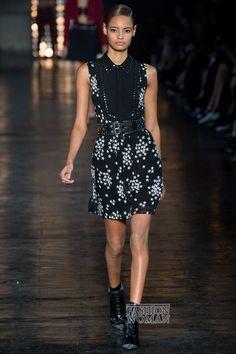 Платье… Модное, стильное, элегантное, строгое, легкомысленное, сексуальное, деловое, классическое, вечернее – это все о нем! Ведь платье – это главный персонаж женского гардероба во все времена. Как же будут выглядеть модные