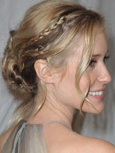 Loose with small braids--Kristin Cavallari Sweet Hairstyles, Hairstyles With Bangs, Pretty Hairstyles, Braided Hairstyles, Braided Updo, Hairstyles Men, Hair Styles 2016, Short Hair Styles, Kristin Cavallari Hair
