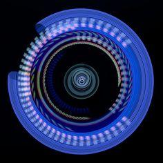 """Photonenrotor #41 - Moving lights in the darkness. Single exposure Light Art Photography, no Photoshop, no tricks. Worked with some LED LENSER M3R. Unser nächster Workshop für Einsteiger findet am 5. März in Berlin statt.  <a href=""""http://www.lichtkunstfoto.de/workshops"""">www.lichtkunstfoto.de/workshops</a>  <a href=""""https://www.facebook.com/Lichtkunstfoto"""">www.facebook.com/Lichtkunstfoto</a>"""