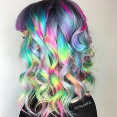 17 Of The Prettiest Hair Trends We Saw This Year #rainbowhair #coloredhairdontcare
