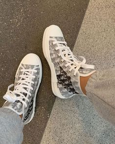 Dior Sneakers, Dior Shoes, Cute Sneakers, Sneakers Fashion, Adidas Sneakers, Aesthetic Shoes, Urban Aesthetic, Vetement Fashion, Nike Shoes
