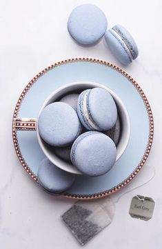 Image shared by ré❈. Find images and videos about macarons and tea on We Heart It - the app to get lost in what you love. Light Blue Aesthetic, Blue Aesthetic Pastel, Aesthetic Colors, Aesthetic Food, Kreative Desserts, Periwinkle, Cerulean, Cookies Et Biscuits, Cream Cookies