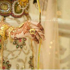 Dulhan Mehndi Designs, Henna Mehndi, Dps For Girls, Balochi Girls, Heena Design, Wedding Hands, Girl Photography Poses, Wedding Photography, Mehndi Images