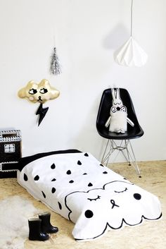 Black and White Rain - Bedspread / Blanket