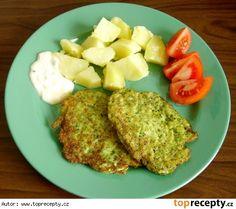 Brokolicové placičky - 1 brokolice, 6 lžic polohrubé mouky, 2 vejce, sůl dle chutí Paleo, Low Carb, Healthy Recipes, Meals, Food, Diet, Recipes, Meal, Essen