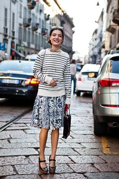from the fashionweek archives, Konca Aykan of Turkish Vogue, I love how she makes skirts look so easy, check out these wonderful prints … Dress Like A Parisian, Elin Kling, Mixing Prints, Fashion Photography, Dreamy Photography, Mode Inspiration, Passion For Fashion, Style Icons, Fashion Forward