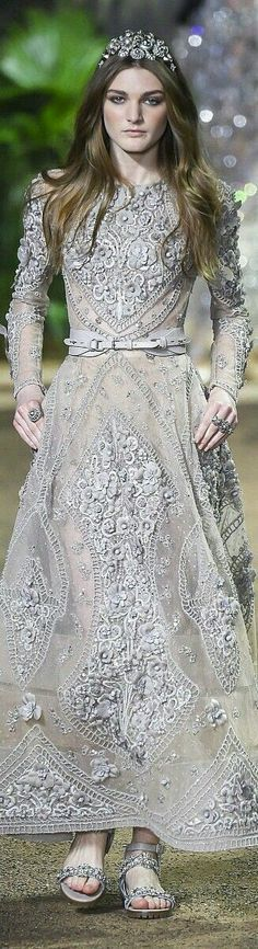 Elie Saab Spring 2016 Couture Fashion Show Elie Saab Couture, Style Haute Couture, Couture Fashion, Runway Fashion, Fashion Show, Spring Couture, Paris Fashion, Beautiful Gowns, Beautiful Outfits