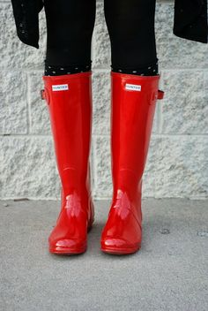 Red Hunter boots. The BEST rain boots a girl can own. Instagram: jalynnschroeder