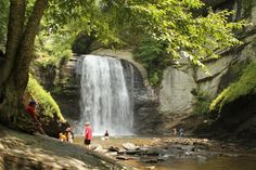 The Ultimate Bucket List For Anyone In North Carolina Who Loves Waterfall Hikes