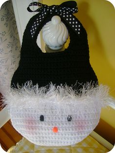 """Little Girl's Snowman Purse By Jocelyn Sass @Ravelry: Published in """"Too Cute Crochet"""". This pattern is available for $3.99 USD."""