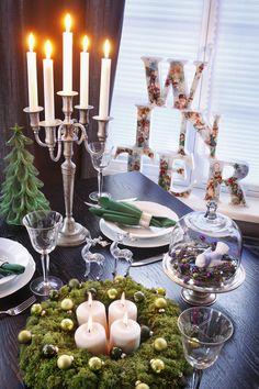 O Natal é uma época perfeita para investir na decoração de casa. Além de ser uma temporada voltada para a família, ela também traz mais encontros com os amigos. E, para receber, nada melhor do que compor uma mesa ou um cantinho especial. Pensando nisso, selecionamos 10 arranjos para todos os gostos.