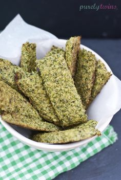 A healthy recipe for broccoli breadsticks (grain-free, gluten-free, dairy-free, paleo friendly). No flour breadsticks. A fun way to eat broccoli! Grain Free, Dairy Free, Gluten Free, Healthy Snacks, Healthy Eating, Clean Eating, Ripped Recipes, Nutritional Yeast Recipes, Paleo On The Go