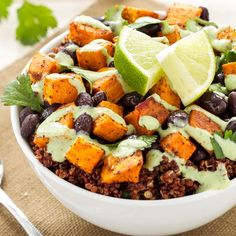Sweet Potato Recipes: 40 Irresistible Ways to Use Sweet Potatoes Sweet Potato and Black Bean Quinoa Bowls, recipe and photography by Danae Halliday. Sweet Potato Recipes Healthy, Healthy Muffin Recipes, Healthy Dinner Recipes, Vegetarian Recipes, Fall Recipes, Halliday, Quinoa Bowl, Quinoa Salad, Quinoa Meals