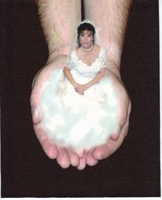 LOL!!!  Bad wedding photo - too funnY!
