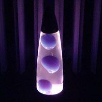 lavalamp zelf maken met water, olie en bakpoeder (of een bruistablet)