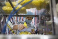 China April Manufacturing Grows Less Than Analyst Forecasts