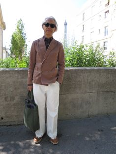 Dude - Hirofumi Kurino The co-founder and creative advisor of Japanese retail group United Arrows White wide pants and beautiful color jacket (not too tight)