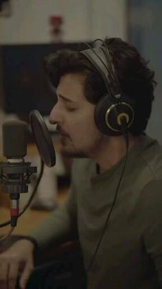 #darshanraval #darshan #trending #love #lovesong #hindisong Best Song Lyrics, Best Songs, Music Lyrics, My Wife Quotes, Iphone Wallpaper Quotes Inspirational, Crush Pics, Song Status, Cute Love Songs, Cute Actors