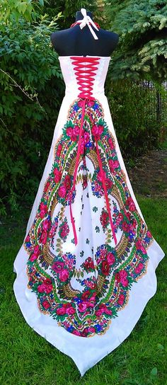 Tustela Polish Folk Inspired Wedding Gown