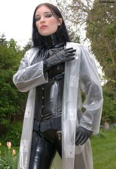 Pvc Raincoat, Plastic Raincoat, Raincoats For Women, Jackets For Women, Imper Pvc, Transparent Raincoat, Latex Costumes, Vinyl Clothing, Sexy Women