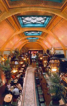 Interior Cafe En Seine, Dublin, IRELAND