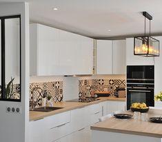 renovation-cuisine-blanche-et-bois - Best Pins Easy To Digest Foods, Küchen Design, Interior Design, Cereal Recipes, Home Decor Kitchen, Sweet Home, Kitchen Cabinets, Decor Diy, Decor Ideas