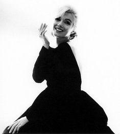 10/07/1962 BackLess Black Dress par Bert Stern - Divine Marilyn Monroe