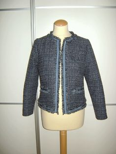 Chaqueta Chanel inspirada en una de Tantra Chanel, Tantra, Hoodies, Sweaters, Fashion, Bass, Homemade, Jackets, Style