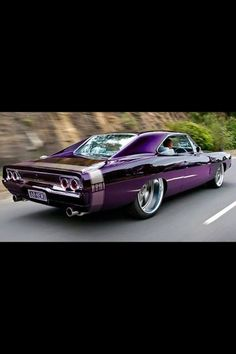 Dodge Charger - Love the paint sceam