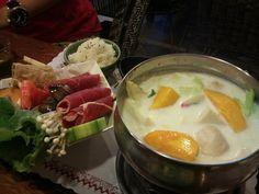 春風飲食堂_牛奶芒果鍋 by 恆春_帶路機 on Flickr.