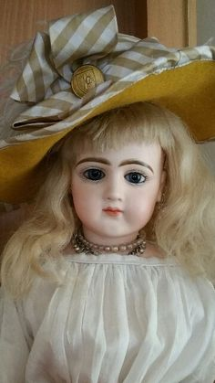 Antique Bisque  French Jumeau French Fadhion Lady Poupee Doll