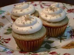 Riesling Cupcakes with Pear Mascarpone Frosting