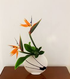 Discover thousands of images about Ikebana arrangement (Yellow flowers)Cover foam with rocks Ikebana Arrangements, Hotel Flower Arrangements, Creative Flower Arrangements, Ikebana Flower Arrangement, Beautiful Flower Arrangements, Flower Vases, Beautiful Flowers, Cactus Flower, Tropical Flowers
