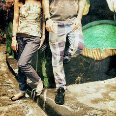 """""""#CofiIdeas e #CofiCarioca batendo pernas pela Paulicéia. Calor aqui só das Cofis pra fora!  #grafite #instacool #cofiwear #calçaxadrez #modaparahomens…"""""""
