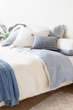 How to Style the Perfect Spring Bedroom on a Budget