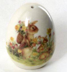 Cracker Barrel Easter Traditions Bunny Egg Salt Shaker Rabbit