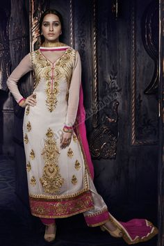 Georgette Blanc Ensemble Pantalons Avec Rose Shantoon Dupatta Conception No. DMV13064 Prix- 87,04 Type de robe: Ensemble Pantalons Tissu: Georgette Couleur: Blanc  Décoration: brodé, Resham, pierre, Zari Pour plus de détails: - http://www.andaazfashion.fr/white-georgette-churidar-suit-with-pink-shantoon-dupatta-dmv13064-1.html