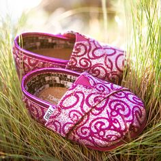 This style of Toms shoes is so smart for you to choose it, click the picture and buy the best suitable one for yourself.